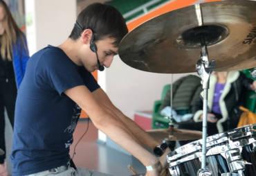 Мастер-класс по барабанам на Open Space Market